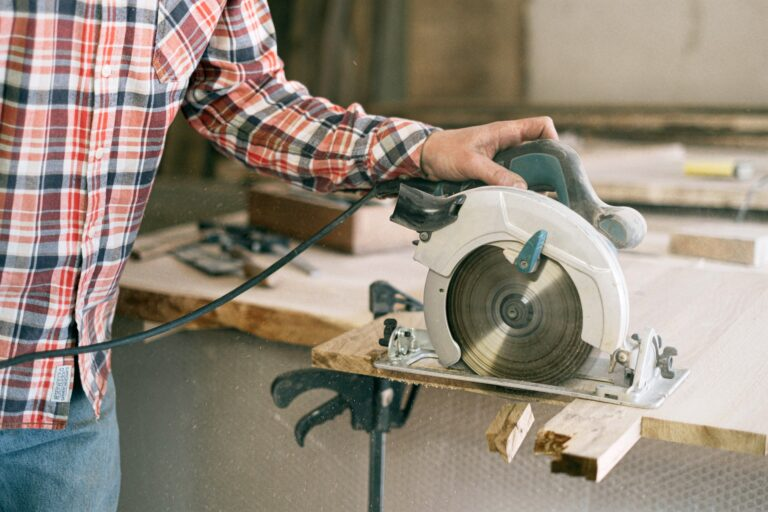 Top 13 Best Portable Table Saw in 2021