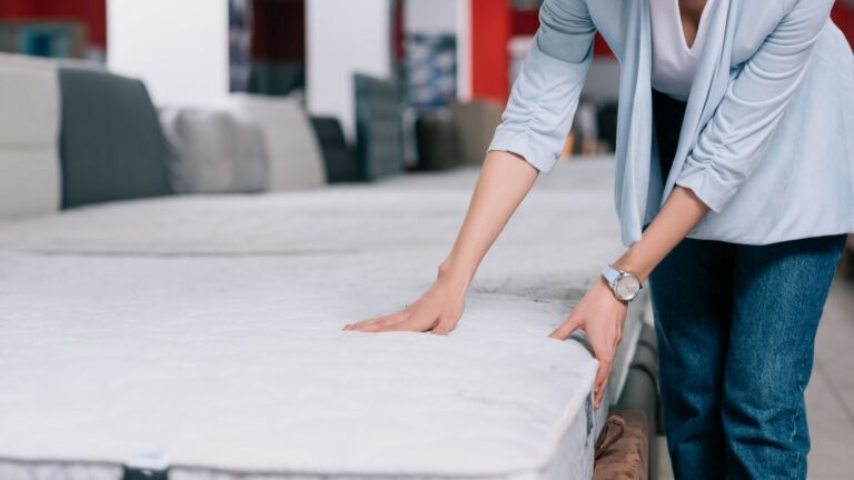 Top 13 best mattress for hip pain in 2021