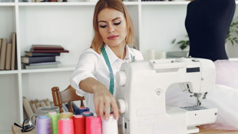 Top 13 best sewing machine for leather in 2021