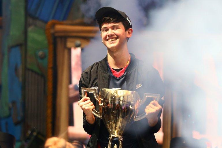 US Teenager Wins $3 Million As Fortnite World Champion 1