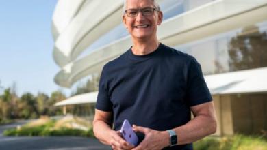 Tim Cook, Apple's CEO, receives a $750 million bonus 7