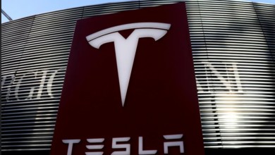 Due to software flaws, Tesla has withdrawn its self-driving beta programme 6